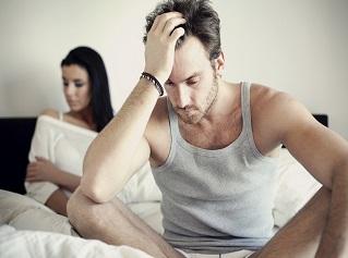 Hombre con falta de deseo sexual